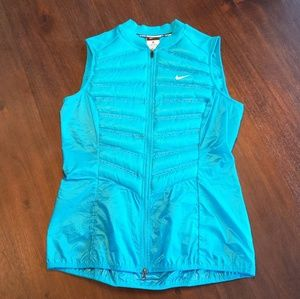 Nike women's Aeroloft running vest size M